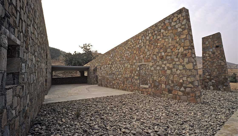 Muro de piedra colocar los paneles cuesta cierto trabajo - Muros de piedra ...