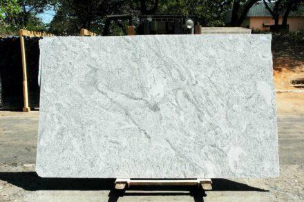 Granite BRANCO CEARÁ, variety COTTON MOTION. ????