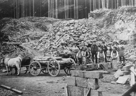 Steinbruch in Finsterbergen unweit Friedrichroda (Ausschnitt).