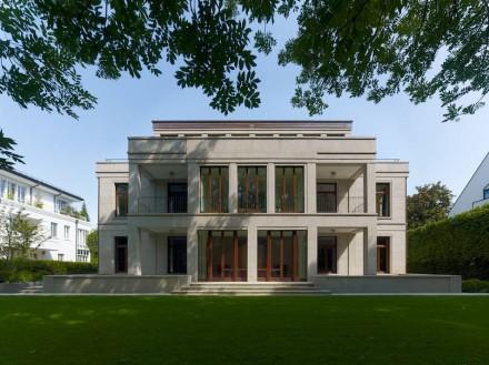 Petra und Paul Kahlfeldt Architekten: dwelling and shopping complex, Munich. Foto: DNV