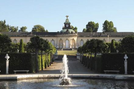 Blick vom Holländischen Garten auf die Bildergalerie. © SPSG / Foto: Hans Bach