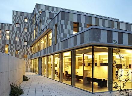 O centro administrativo na pequena cidade (25.000 habitantes) de Willebroek, na Bélgica.