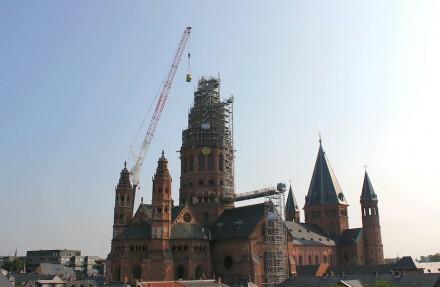 Vielfältige Anforderungen stellte die Sanierung der Turmspitze.