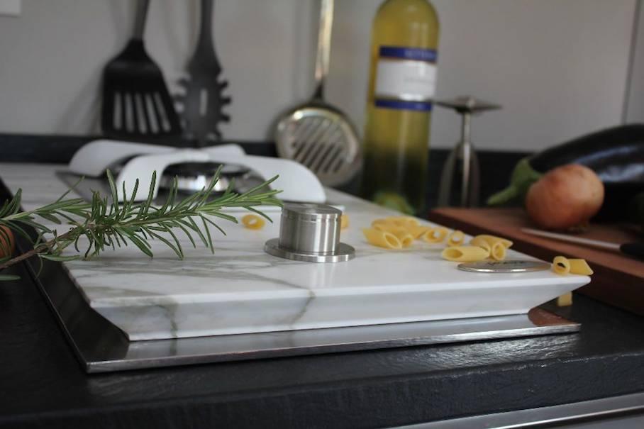 Cucinare con fiamma di gas su fornelli in marmo o granito for Cucinare anni 70