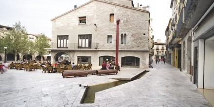 Josep Mias Architects: Banyoles. Photo: Adriá Goula