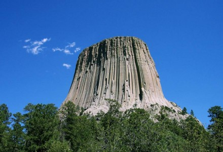 Der Devil's Tower in Wyoming. Foto: Colin Faulkingham / Wikimedia Commons