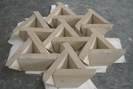 Insofern spielt das Können der Steinmetze bei den in dem Buch vorgestellten Projekten immer eine entscheidende Rolle.