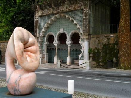 "Beatriz Cunha: ""Kolyledon"", mármore."