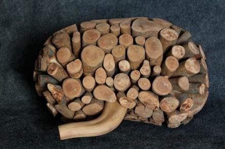 """Beatriz Cunha: """"Riñón"""", madera."""
