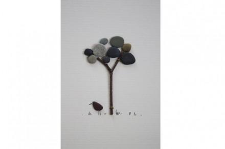 Sharon Nowlan: Pebble art.