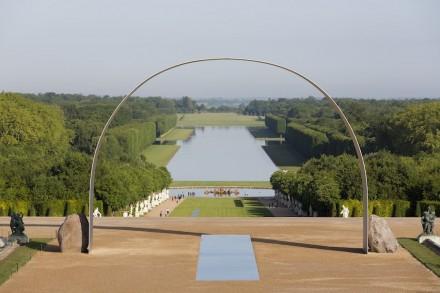"""Lee Ufan: """"Relatum, L'Arche de Versailles""""."""