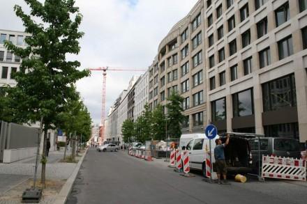 Blick in die Voßstraße, die parallel zur Leipziger Straße verläuft.