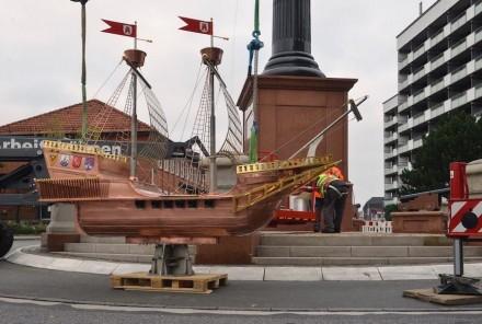 4 m hoch und 3 m lang ist das Schiff.