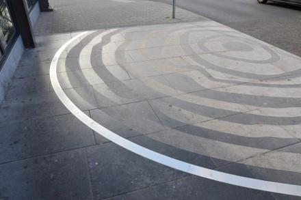 La Louvière: Los planificadores urbanos del despacho Skope y el artista Emile Desmedt han creado ideas con piedra caliza Pierre Bleue Belge para el rediseño del centro de la ciudad