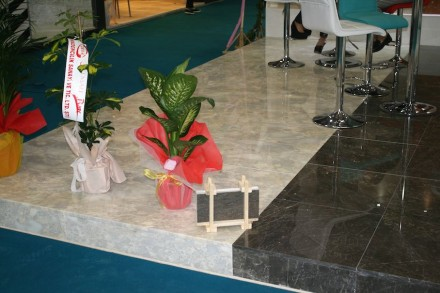 Izmir's Trade Fair in March 2015 showed Kilic Mermer Company and its Classic Bundle for natural stone slabs reduced to toy-size.
