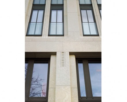 Christoph Sattler: Edificio residenziale e commerciale, Hagen.