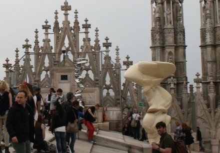 Organization of Cathedral Craftsmen (Veneranda Fabbrica del Duomo) had invited artist Tony Cragg to sculpt pieces for an exhibit on the roof of the Cathedral. Photo: Peter Becker