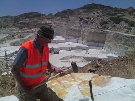 Marmortourismus in der Region Macael: Besuch in einem Steinbruch.