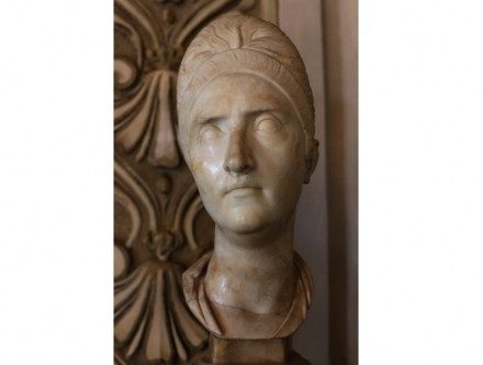 Portrait of Plotina (110-117 A.D.), Luna (= Carrara) Marble, Capitoline Museums, Rome.