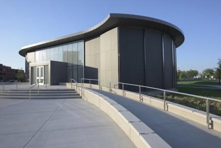 Kruizenga Art Museum