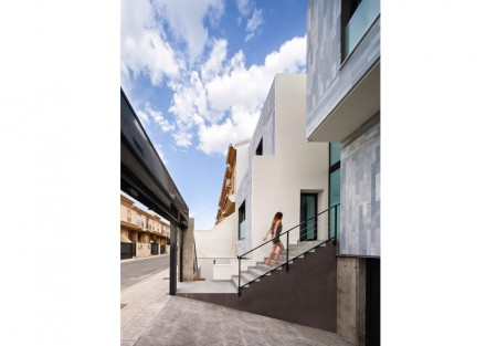 Arias Recalde taller de arquitectura: casa em fita na Espanha.