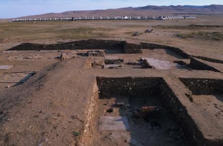 Grabung auf dem Gelände des ehemaligen Karakorum. Foto: Wittersheim / DAI