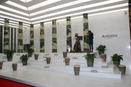 """Antolini Interpretations 2015"": ""Antolini Interpretations 2015"": Lanzavecchia + Wai, Salone del Mobile, Milan. Foto: Peter Becker"