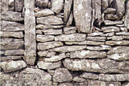 Category Exterior Design, 2nd Prize: Jean-Pierre Gallos, dry stone wall, Balsiège (Lozère).