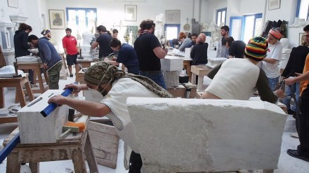 Marble workshop on the island of Tinos. Photo: Hellenic Ministry of Culture and Sports.