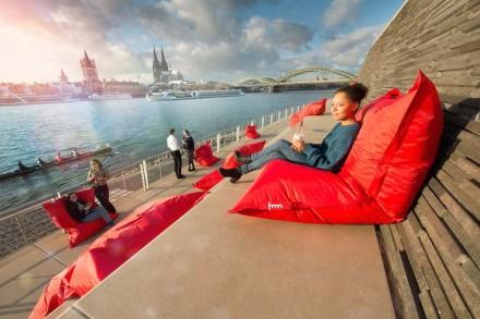 """Im Rahmen der Aktion """"Köln möbliert"""" wurden Ausstellungsstücke von den Ständen in der Innenstadt präsentiert. Foto: Karsten Jipp / Messe"""