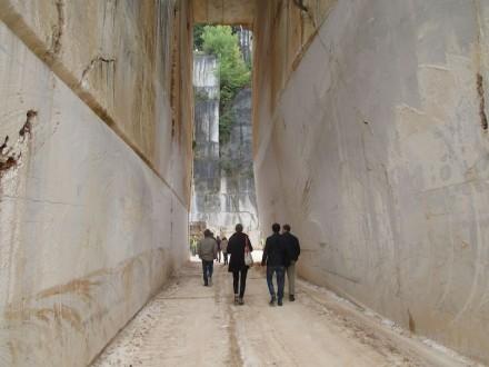 Während der Marmomacc 2015 gab es eine Einführung in Sustamining im Steinbruch der Firma Ghirardi unweit von Brescia. Foto: Professor Gerd Merke, Euroroc