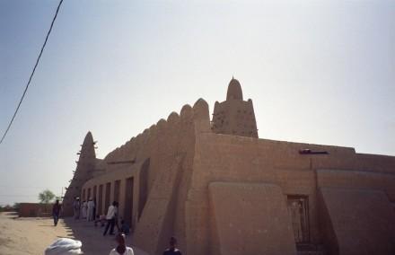 Djingareyber Mosque, Timbuktu, where the ceremony was held. Photo: upyernoz / Wikimedia Commons