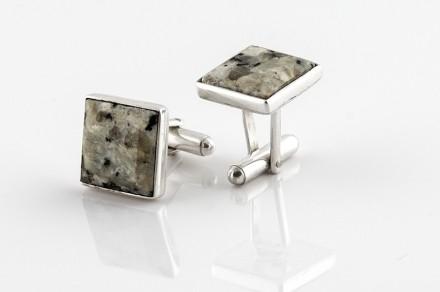Aleksandra Skolak: Diseño de joyería con piedra natural.