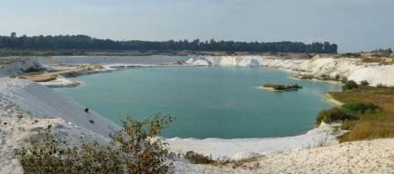Quarzsandabbau am Uhry-See bei Königslutter. Foto: Nifoto / Wikimedia Commons