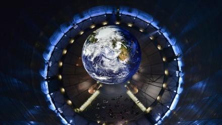 So viel Planet Erde war noch nie für den Normalbürger: der Planet Terra im Gasometer Oberhausen. Fotos: DLR