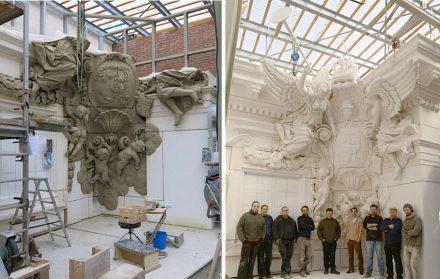 Links: die Kartusche wird in Ton modelliert. Rechts: fertiger Gipsabguss. Fotos: Andreas Artur Hoferick