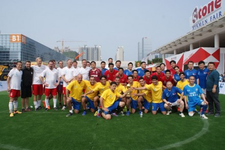 "The Lunds' Cup teams, yellow: ""Samba"", white: ""Vikings"", red: ""Dragoons"", blue: ""Shi Shan Ban"". Foto: Bill Wang"