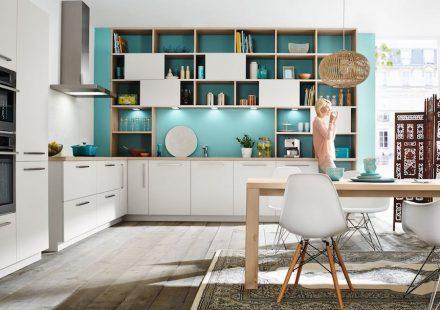 Die offene Küche als Mittelpunkt des Wohnens. Foto: AMK