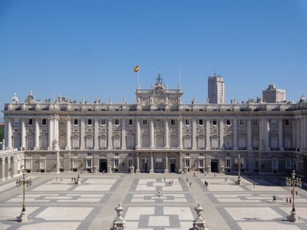 """The Royal Palace in Madrid is one of the many buildings worldwide clad with the Spanish granite """"Berroqueña Stone"""". Photo: Superchilum / Wikimedia Commons"""