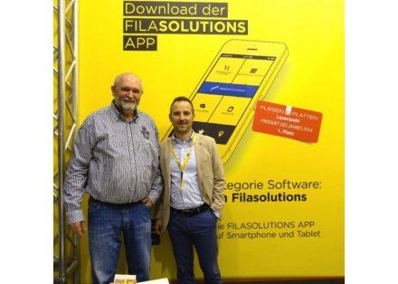 Detlev Hill (esq.), um dos desenvolvedores do SCM Staincheck Method, e Francesco Pettenon, diretor de distribuição internacional da Fila.