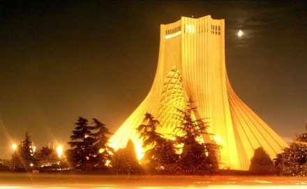 Azadi Tower in Tehran. Foto: Asadi / Wikimedia Commons