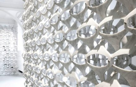 Patricia Urquiola: Marblelace-wall (2009).