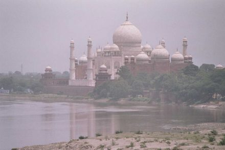 The Taj Mahal seen from the Red Fort over the Yamuna river. Photo: Airunp / Wikimedia Commons