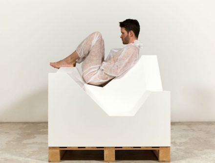 "Didier Fiúza Faustino: ""Broken white cube"" (2007). Photo: Galerie Michel Rein / Didier Fiúza Faustino"