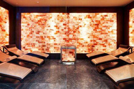 Marco Piva: Hotel Excelsior Gialla. El espacio para la terapia con sales del Himalaya.
