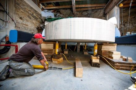 """""""Fine-tuning"""" began with a 3.5 m diameter, 60 cm high rock. From it a font was hollowed out."""