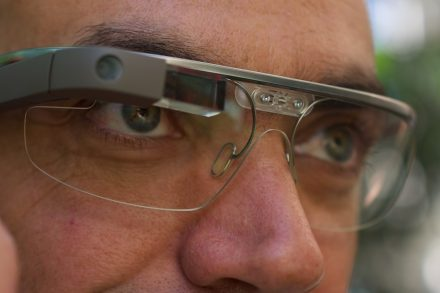 Google Glass. Foto: Loïc Le Meur / Wikimedia Commons