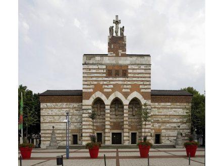 Kirche St. Johann Baptist in Neu-Ulm. Foto: Roland Rossner / Deutsche Stiftung Denkmalschutz