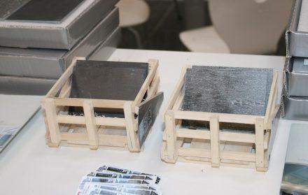 Die Firma SSQ präsentierte am Stand von Waglechner Schiefer ihre Materialmuster so, wie die Platten in den Transport gehen.