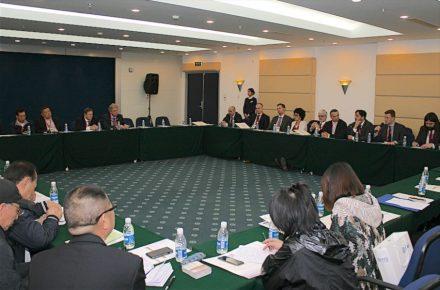 Treffen der Euroroc-Besucher mit Vertretern des chinesischen Verbands China Stone Material Association. Blick auf die europäischen Besucher, links das Podium mit den Verbandspräsidenten.